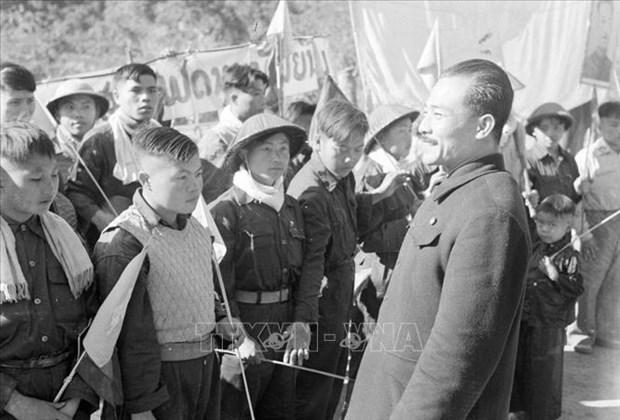援老越南志愿军和专家传统日70周年:越老战斗联盟——两国两军巨大的力量源泉(第二期) hinh anh 2