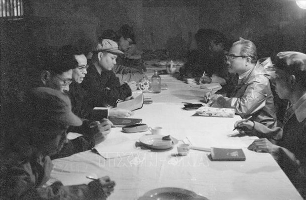 援老越南志愿军和专家传统日70周年:越老战斗联盟——两国两军巨大的力量源泉(第二期) hinh anh 1