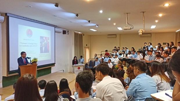 越南驻柬埔寨大使:柬埔寨是越南重要的发展伙伴 hinh anh 2