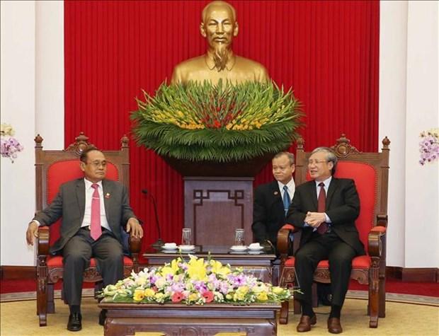越共中央书记处常务书记陈国旺会见柬埔寨高级代表团 hinh anh 1