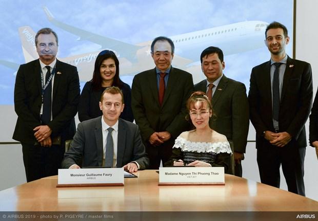 越捷航空与空客公司签署20架A321XLR客机采购协议 hinh anh 2