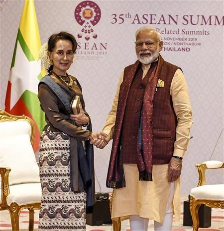 第35届东盟峰会:印度与缅甸讨论深化双方关系措施 hinh anh 1