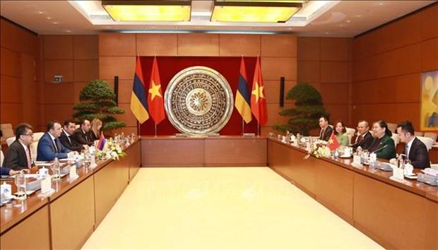 国会副主席丛氏放与亚美尼亚国民议会副议长举行会谈 hinh anh 1