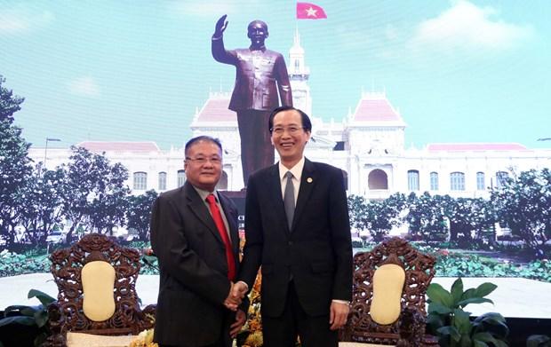 胡志明市领导人会见柬埔寨皇家政府特使黎瓦宏 hinh anh 1