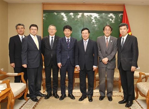 越南政府副总理兼外交部长范平明会见日本群马县知事 hinh anh 2