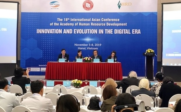 人力资源开发:数字纪元中的革新与发展 hinh anh 1