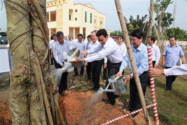 政府常务副总理张和平出席同奈省全民族大团结日庆祝活动 hinh anh 2