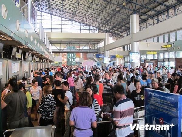 受台风娜克莉影响 越竹航空公司调整部分航班执行计划 hinh anh 1