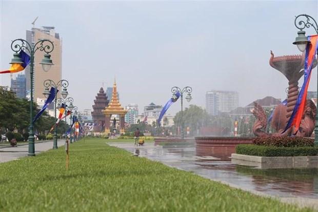 2019年柬埔寨送水节吸引400万游客参加 hinh anh 1