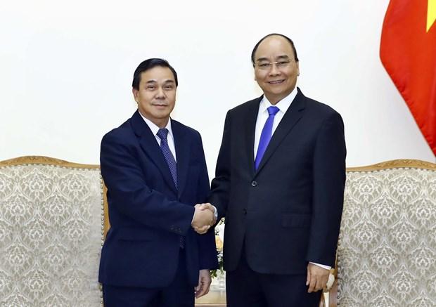 阮春福总理会见老挝新任驻越大使森菲特 hinh anh 1