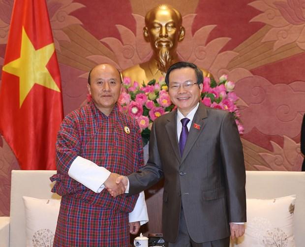 越南国会副主席冯国显会见不丹审计署审计长切细·克桑 hinh anh 2