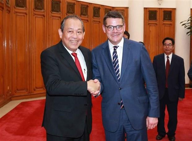 越南政府副总理张和平会见德国黑森州议会议长 hinh anh 1