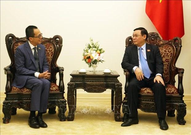 越南政府副总理王廷惠会见太平洋世纪集团总裁李泽楷 hinh anh 2