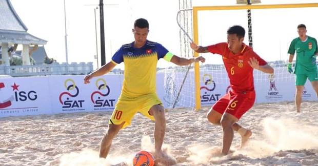 2019年东南亚沙滩足球锦标赛:越南队以7比5战胜中国队 hinh anh 1