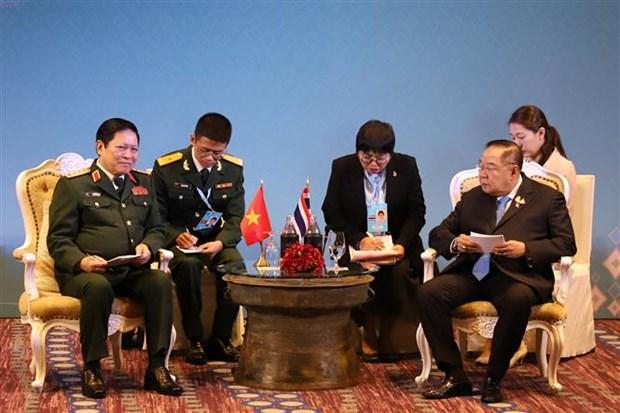 越南国防部长吴春历会见泰国副总理和印尼防长 hinh anh 1