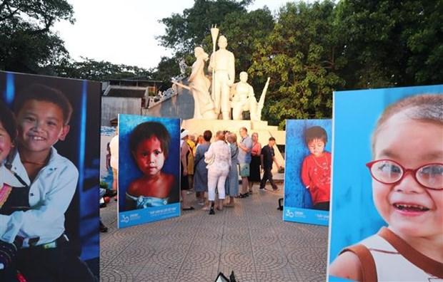 联合国《儿童权利公约》颁布30周年纪念典礼在河内举行 hinh anh 2