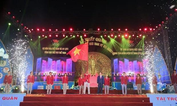 越南体育代表团出征第30届东南亚运动会 hinh anh 1