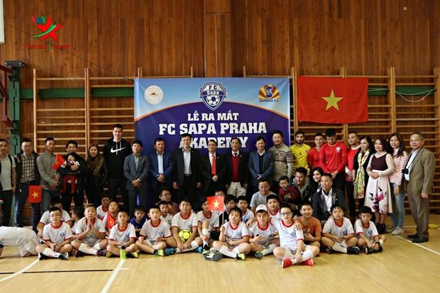 布拉格沙巴足球俱乐部和青少年足球培训中心正式亮相 hinh anh 1