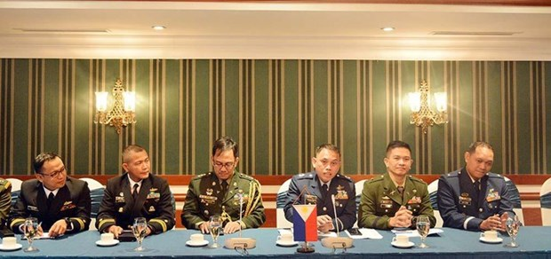 越南与菲律宾青年军官交流活动在河内举行 hinh anh 1