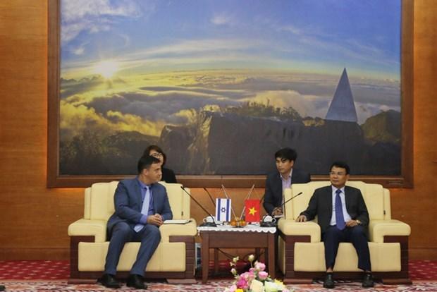 以色列驻越大使对老街省进行工作访问 hinh anh 1