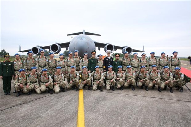 越南二号二级野战医院医疗队第一小组今日启程赴南苏丹执行任务 hinh anh 2