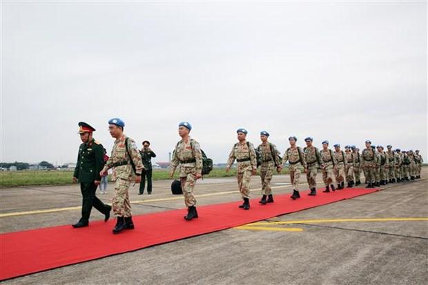 越南二号二级野战医院医疗队第一小组今日启程赴南苏丹执行任务 hinh anh 1