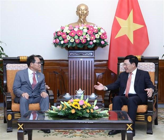 越南希望韩国关注维护越南公民的正当权益 hinh anh 2