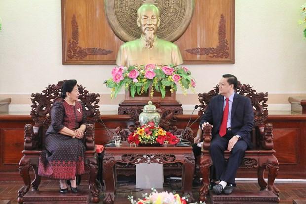 越南芹苴市与柬埔寨加强文化艺术领域交流与合作 hinh anh 1