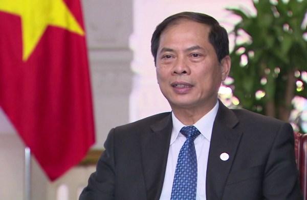 英国39人遇难事件:越南政府将先垫资金将39具遗体运送回国 hinh anh 1