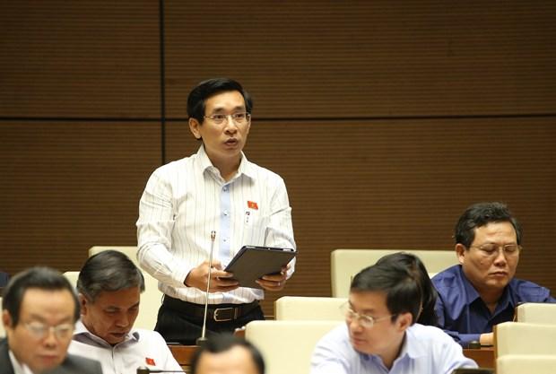 第十四届国会第八次会议:表决关于免去国会法律委员会主任和卫生部长职务的决议 hinh anh 1