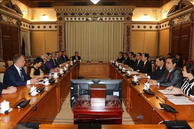 越南胡志明市与德国萨克森-安哈尔特州促进教育培训领域的合作 hinh anh 1