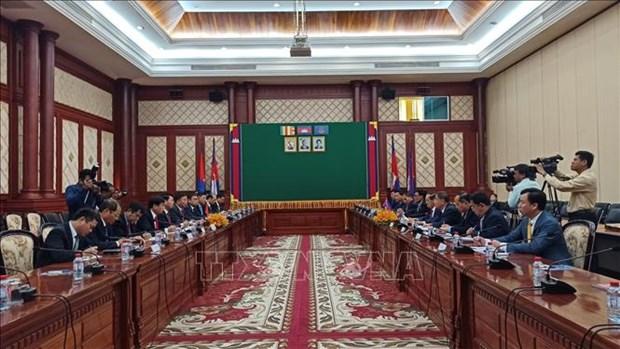 越南公安部同柬埔寨内务部加强合作 hinh anh 2