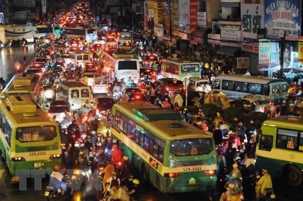 胡志明市领导赴泰寻求城市发展、防止内涝和解决交通拥堵经验 hinh anh 1
