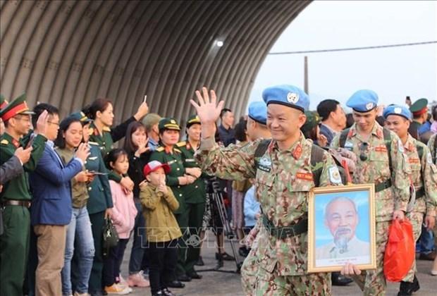 越南二号二级野战医院医疗队第二组队员今日启程赴南苏丹执行任务 hinh anh 1