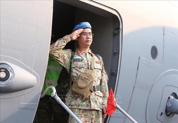 越南二号二级野战医院医疗队第二组队员今日启程赴南苏丹执行任务 hinh anh 2