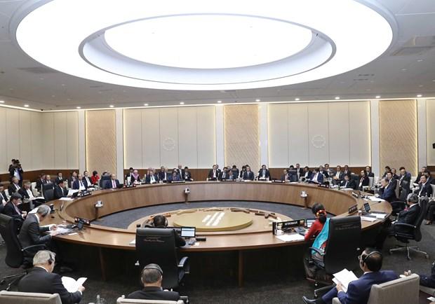 越南政府总理阮春福出席东盟与韩国伙伴关系30周年纪念峰会首场会议 hinh anh 3