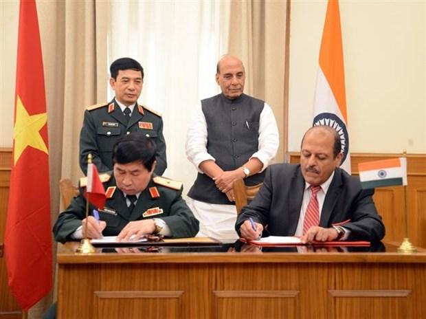 越南与印度签署有关国防技术研究的合作协议 hinh anh 2
