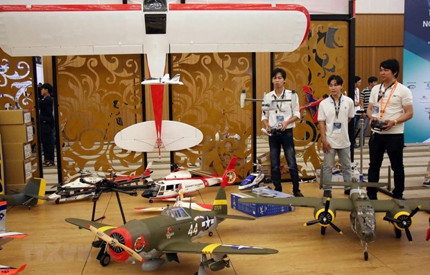 越南首次举行国际航空航天技术及设备展览会 hinh anh 2