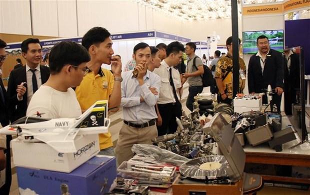 越南首次举行国际航空航天技术及设备展览会 hinh anh 1