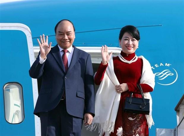 越南政府总理阮春福开始对韩国进行正式访问 hinh anh 1