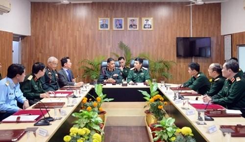 越南高级军事代表团造访印度陆军教育军官学院 hinh anh 1