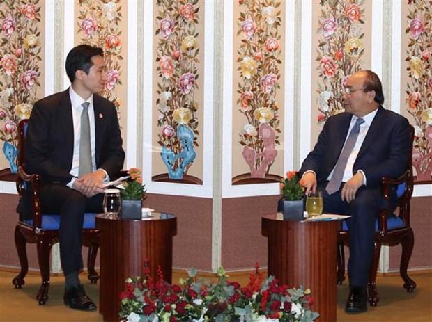 越南政府总理阮春福与韩国一流投资商举行座谈会 hinh anh 2
