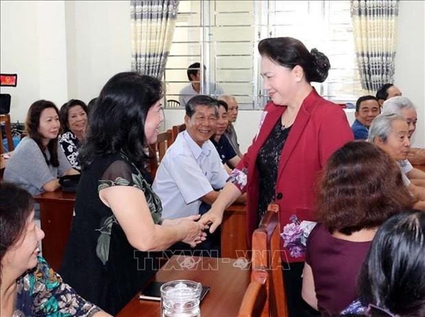 国会主席阮氏金银继续在芹苴市开展接待选民活动 hinh anh 1