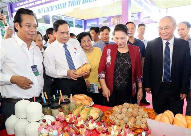 国会主席阮氏金银出席2019年芹苴国际旅游博览会 hinh anh 1