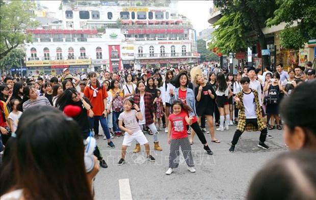 今年11月份河内市接待游客人数达250万多人次 hinh anh 1