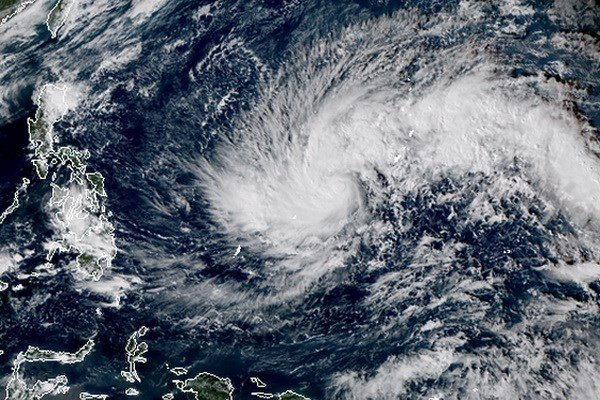 菲律宾疏散人员以躲避台风北冕 hinh anh 1