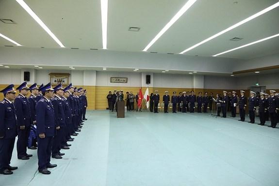 """越南""""CBS 8002号""""海警船对日本进行访问 hinh anh 1"""
