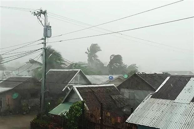 """台风""""北冕""""袭菲律宾已致2死数千人被疏散 hinh anh 1"""