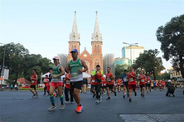 2019年胡志明市国际马拉松赛吸引近1.3万人参加 hinh anh 1