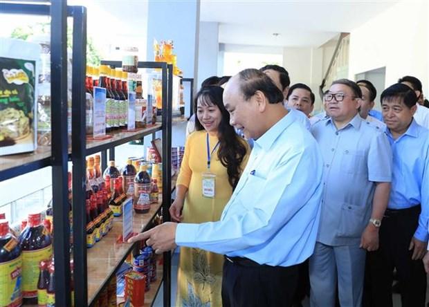 越南政府总理阮春福第二次同农民进行对话 hinh anh 2